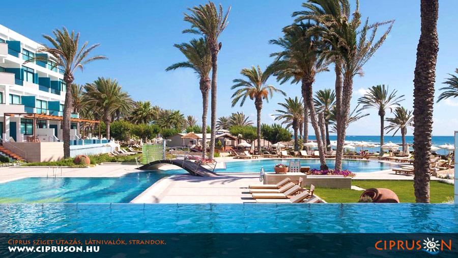 Ciprus szállásfoglalás, szállodák, apartmanok. Ciprus utazás és nyaralás.