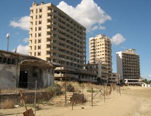 Varosha, szellemváros Protaras mellett. Famagusta közelében.
