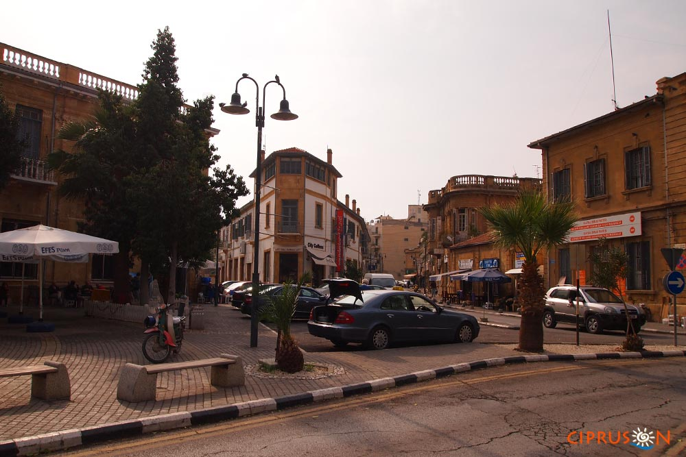 Észak-Ciprus történelme, görög török ellentét