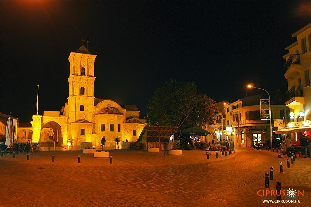 Larnaka éjszaka, a Szent Lázár templom környékén