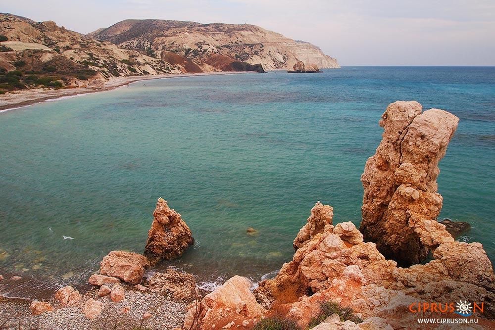 Ciprus tengerpartja, Afrodité szikláinak megközelítése