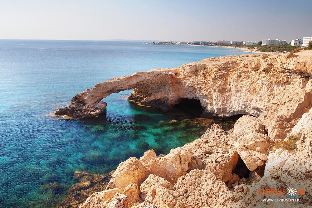 Szerelmesek hídja (Love Bridge) Agia Napa, Ciprus sziget